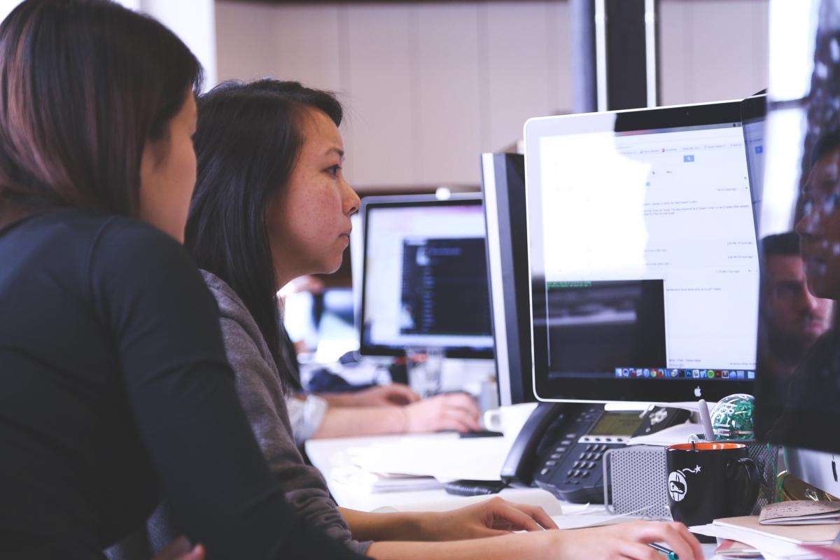 ¿Cómo se integra la transformación digital en los procesos de una empresa?