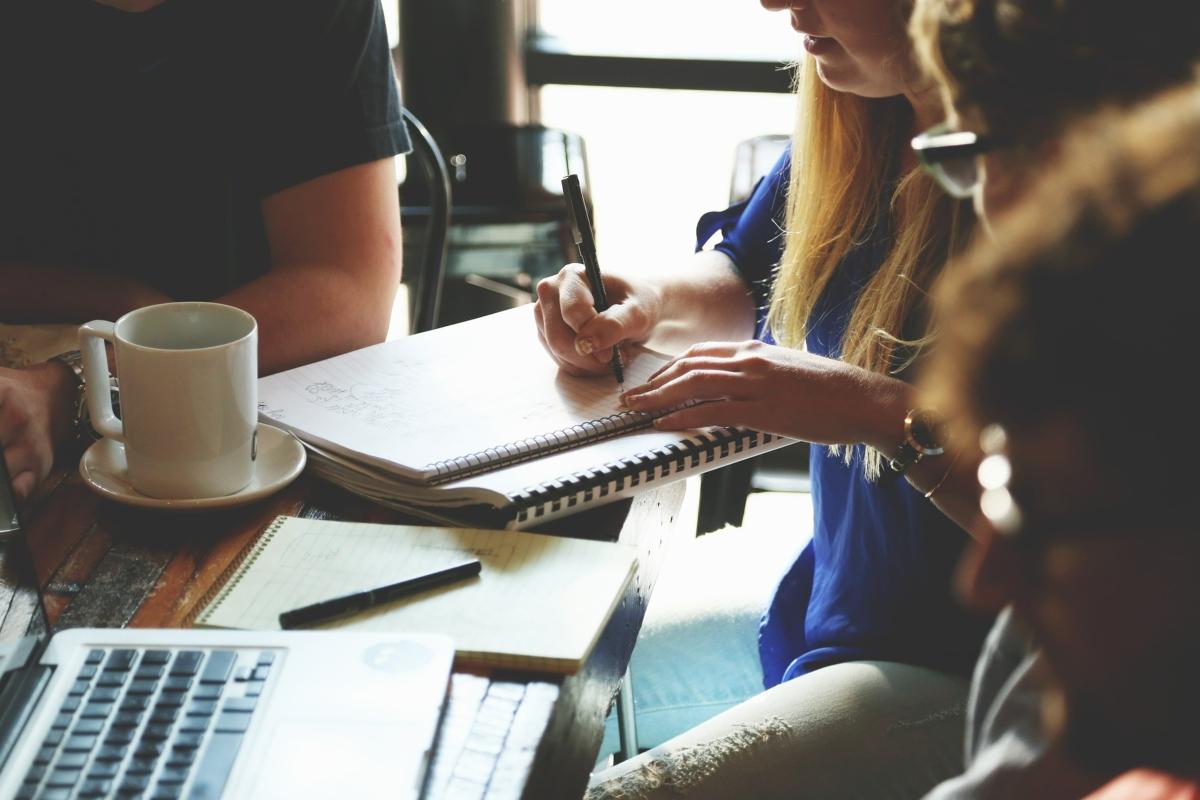 ¿Cómo formar una empresa y facturar electrónicamente?