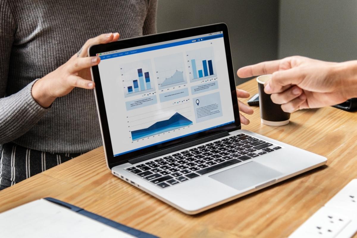 Certificarse en herramientas digitales enriquece tu CV